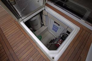 56' Sea Ray 560 Sedan Bridge 2000 Engine Room Access