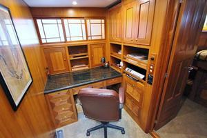 64' Grand Alaskan Pilothouse 2006 Custom Office