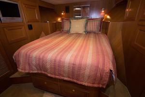54' Offshore Pilothouse Hull #64 2005 Guest Stateroom