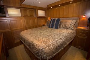 54' Offshore Pilothouse Hull #64 2005 Master Stateroom