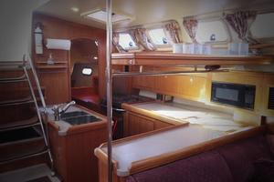 46' Hunter 460 2001 Galley Overview