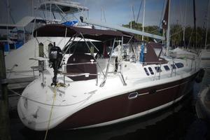 46' Hunter 460 2001 Dockside
