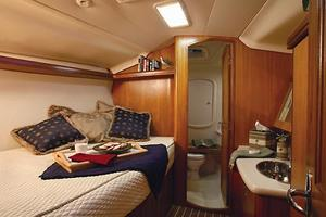 41' Hunter 41 Deck Salon 2007 Manufacturer Provided Image