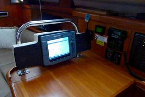 41' Hunter 41 Deck Salon 2007 Nav Plotter