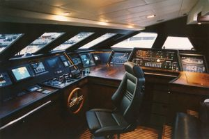 96' Bugari Full displacement RPH 2003 Pilothouse