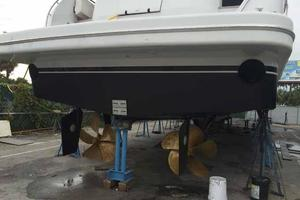 91' Tarrab Tri Deck MY 2012 Oct 2014 Bottom Job