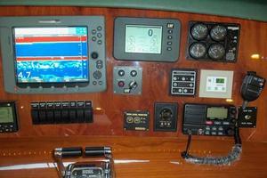 91' Tarrab Tri Deck My 2012 Helm Detail Starboard