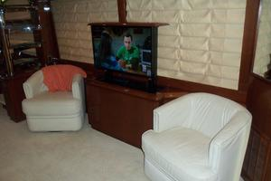 65' Marquis Flybridge 2006 SALON TV UP