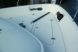 65' Marquis Flybridge 2006 WINDLASS AREA
