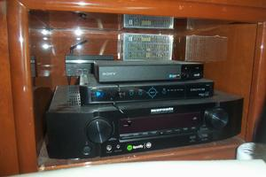 65' Marquis Flybridge 2006 SALON ENTERTAINMENT CENTER