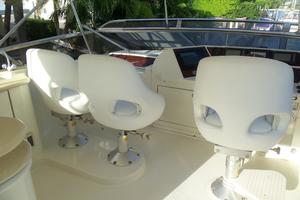 65' Marquis Flybridge 2006 HELM SEATING