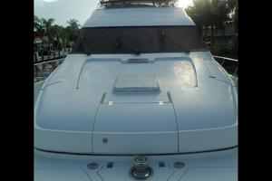 65' Marquis Flybridge 2006 BOW AREA