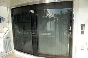 65' Marquis Flybridge 2006 CURVED ENTRY DOOR