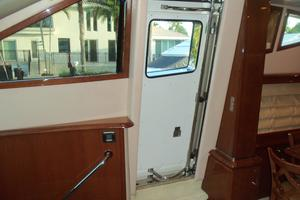 65' Marquis Flybridge 2006 STARBOARD SIDE ENTRY DOOR