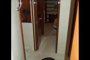 65' Marquis Flybridge 2006 FOYER LOOKING AFT