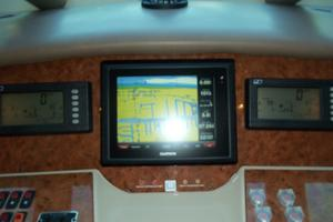 65' Marquis Flybridge 2006 LOWER HELM CENTER