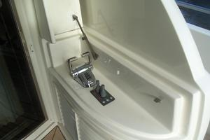 65' Marquis Flybridge 2006 AFT DECK CONTROLS