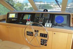 75' Hatteras Motoryacht 2002 PILOTHOUSE