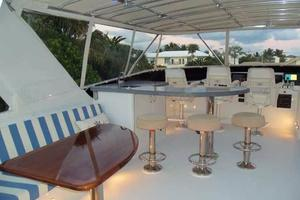 75' Hatteras Motoryacht 2002 FLYBRIDGE LOOKING FORWARD