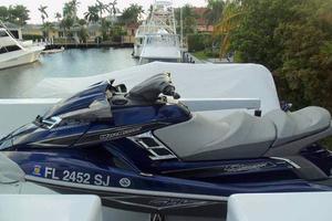 75' Hatteras Motoryacht 2002 WAVE RUNNER