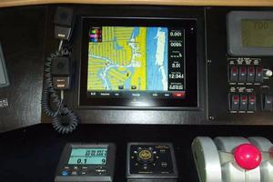 75' Hatteras Motoryacht 2002 HELM PORTSIDE