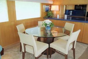 75' Hatteras Motoryacht 2002 DINING TABLE