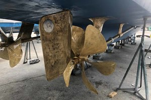 75' Hatteras Motoryacht 2002 Feb 2019 Yard Visit