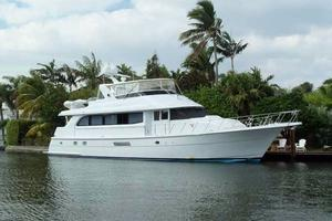 75' Hatteras Motoryacht 2002 ALTERNATE PROFILE