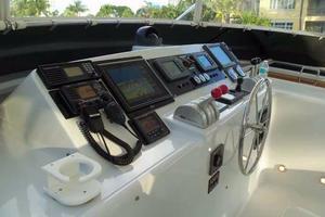 75' Hatteras Motoryacht 2002 FLYBRIDGE HELM