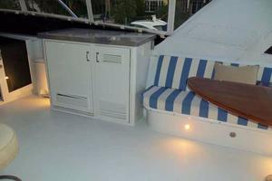 75' Hatteras Motoryacht 2002 FLYBRIDGE STARBOARD FORWARD