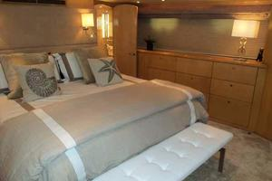 75' Hatteras Motoryacht 2002 MASTER LOOKING PORT
