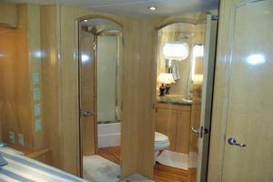 75' Hatteras Motoryacht 2002 MIDSHIP VIP TO STARBOARD