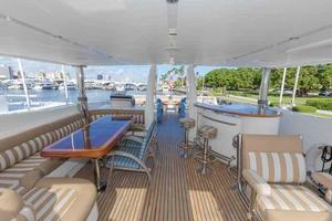 87' Johnson Flybridge w/Euro Transom 2005 Flybridge Looking Aft