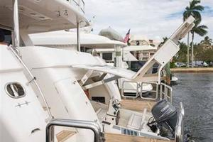 87' Johnson Flybridge w/Euro Transom 2005 Tender Garage