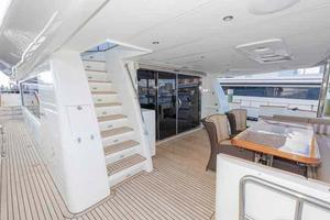 87' Johnson Flybridge w/Euro Transom 2005 Aft Deck