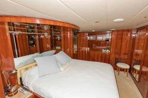 87' Johnson Flybridge w/Euro Transom 2005 Master to Port