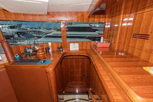 87' Johnson Flybridge w/Euro Transom 2005 Pilothouse Entrance