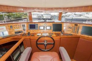 87' Johnson Flybridge w/Euro Transom 2005 Helm Detail