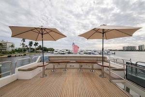 87' Johnson Flybridge w/Euro Transom 2005 With Umbrellas