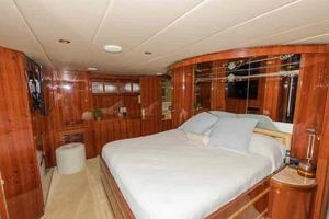 87' Johnson Flybridge w/Euro Transom 2005 Master to Starboard