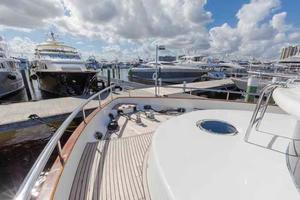 87' Johnson Flybridge w/Euro Transom 2005 Bow