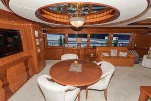 87' Johnson Flybridge w/Euro Transom 2005 Salon Dining