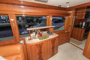 87' Johnson Flybridge w/Euro Transom 2005 Salon Popup Bar
