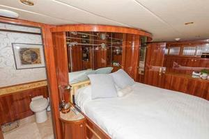 87' Johnson Flybridge w/Euro Transom 2005 Master Head Entrance