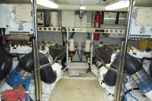 76' Lazzara Grand Salon/Skylounge 1998 Engine Room Looking Forward