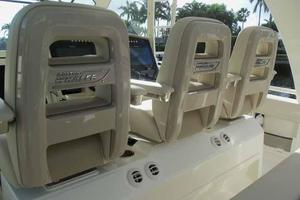 42' Boston Whaler Outrage 42 2016 SEATING AC VENTS