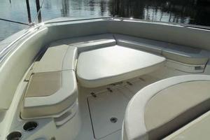 42' Boston Whaler Outrage 42 2016 BOW SEATING TABLE DOWN