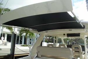 42' Boston Whaler Outrage 42 2016 SUNSHADE FULL