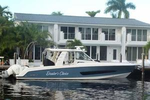 42' Boston Whaler Outrage 42 2016 PROFILE