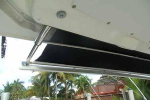 42' Boston Whaler Outrage 42 2016 SUN SHADE PARTIAL
